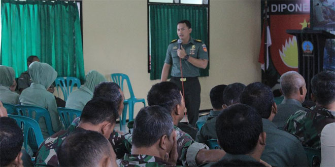 Prajurit, ASN, Serta Persit Kodim 0734/Yogyakarta Terima Penyuluhan Hukum Dari Kumdam IV/Diponegoro
