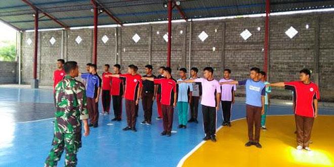 Melatih Disiplin Pelajar Dengan Pelatihan PBB di SMK Muh 2 Jatinom Klaten