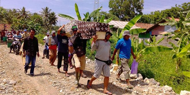 Babinsa Kebonrejo Temon Kulon Progo Pantau Pemindahan Pepunden/Makam