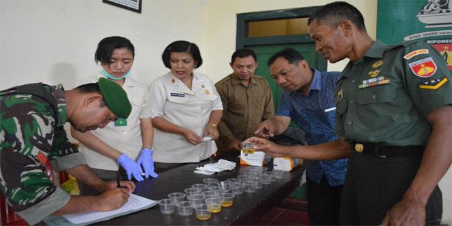 Personel Kodim 0705/Magelang Ikuti Tes Urine Dadakan