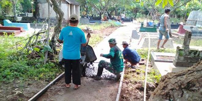 Betonisasi Jalan Tengah Makam Kadipiro