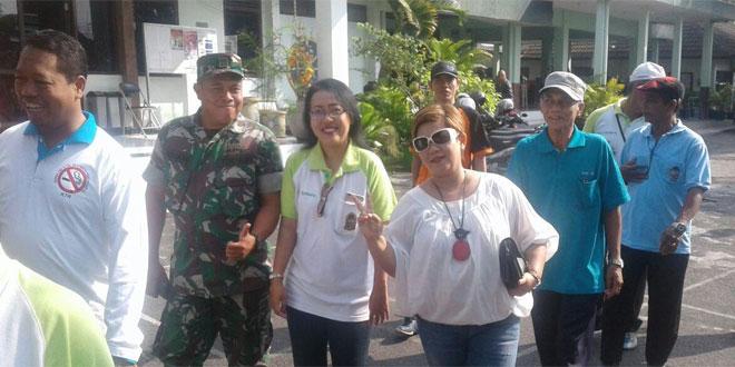 Babinsa Koramil Gedongtengen Jalan Sehat Dengan Warga Kecamatan Gedongtengen