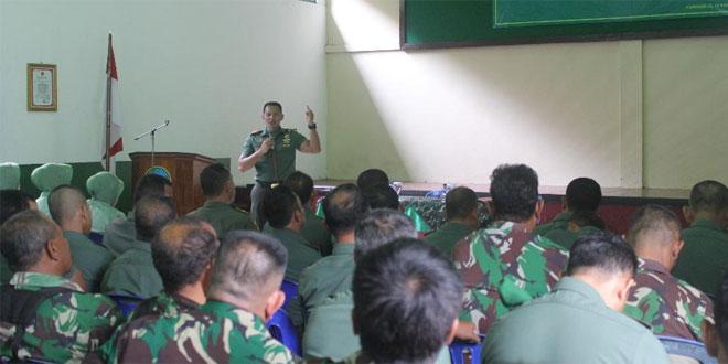 Prajurit dan ASN serta Persit Kodim 0708 Purworejo Menerima Penyuluhan Hukum