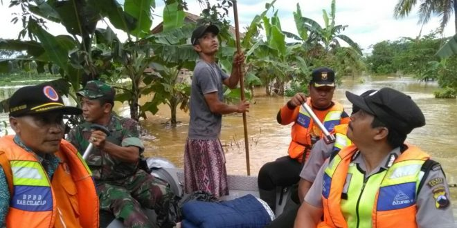 Paska Banjir, Anggota Koramil 16/Wanareja Dan BPBD Majenang Siaga I