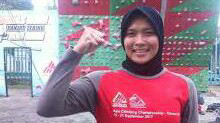 Gadis Grobogan Berhasil Kibarkan Merah Putih di Tiang Tertinggi