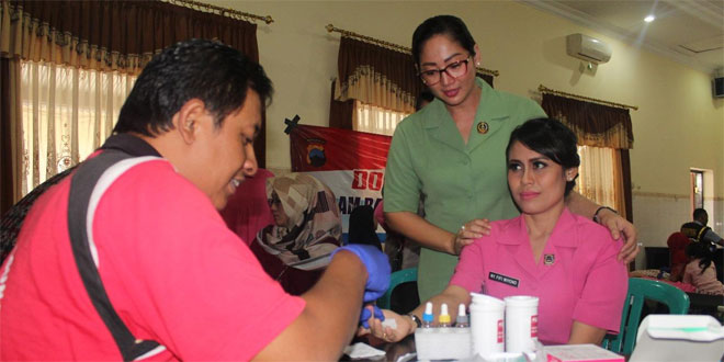 Donor Darah dan Pemeriksaan Iva