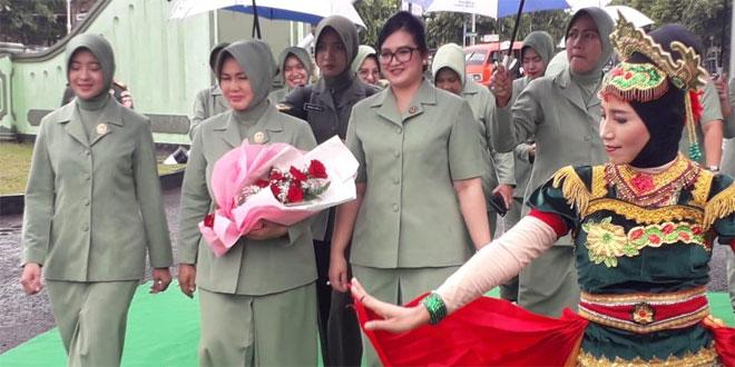 Pengarahan Dan Tatap Muka Ibu Ketua Persit KCK PD IV/Diponegoro Di Kodim 0701/Banyumas