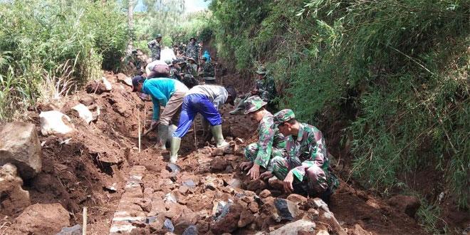 Jalan Akses Pertanian di Desa Tlahab Dibangun
