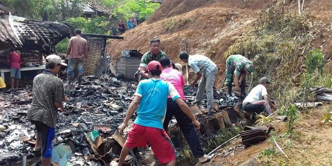 Babinsa Desa Bondolharjo Melaksanakan Karya Bhakti