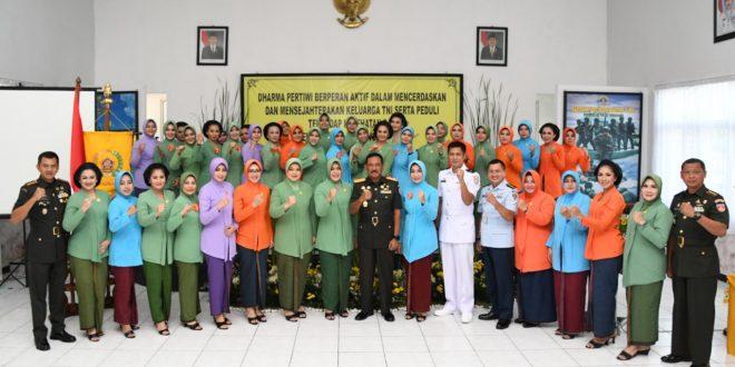Pangdam IV : Kebersamaan Dharma Pertiwi Wujudkan Kesejahteraan Keluarga Besar TNI