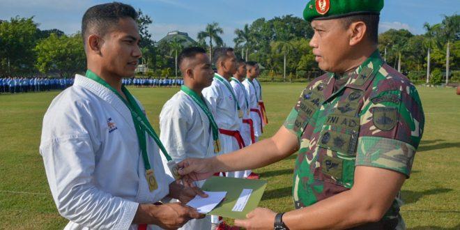 Panglima TNI : Prajurit Jangan Pernah Merasa Lelah Melaksanakan Tugas Demi Kejayaan NKRI