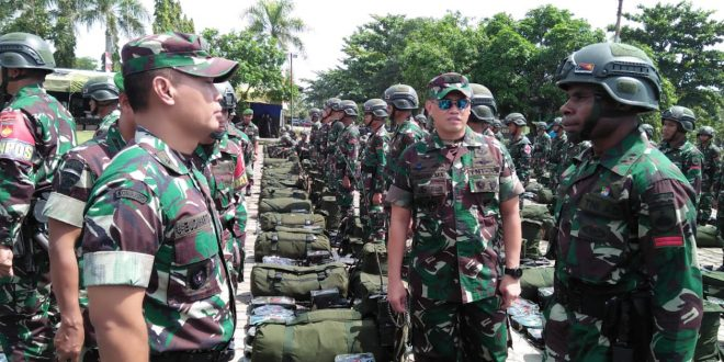 Waasops Kasad Cek Kesiapan Pasukan Yonif 406/Ck Untuk Operasi Pamtas di Papua