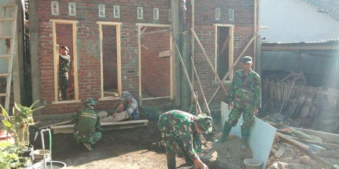 Sukseskan Program TMMD Sengkuyung Tahap II Kodim 0706 Temanggung TNI Terus Bekerja Bangun Rumah Rakyat Tidak Mampu