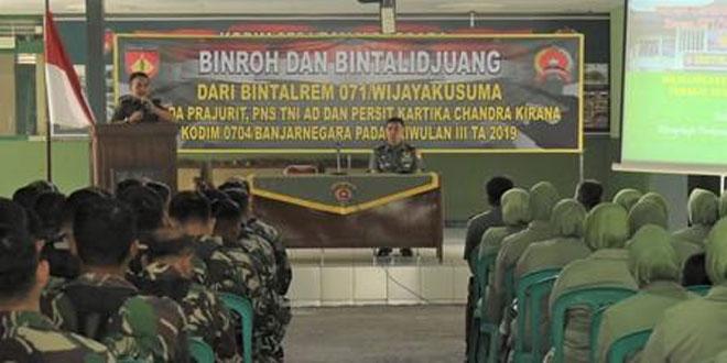 Bintal Rem 071/Wijayakusuma Memberikan Binroh dan Bintalidjuang