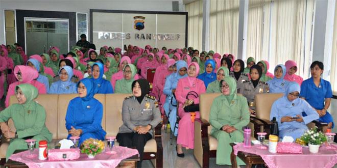 Ratusan Ibu-ibu Gabungan Istri Prajurit TNI dan Polri, Disosialisasi Deteksi Kanker Sejak Dini