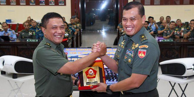 Kasdam IV/Diponegoro Tutup Gladi Waskita Dharma Pasis Dikreg XLVI TNI