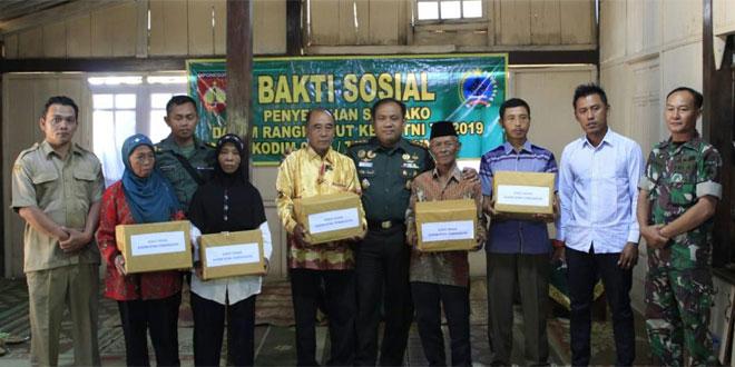 Dandim 0706 Temanggung Beri  Bantuan Warga Kampung Toleransi
