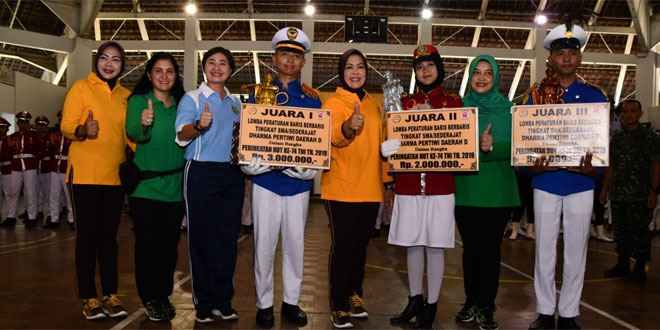 Semarakkan HUT TNI, Kodam IV/Diponegoro Gelar Lomba Baris Berbaris