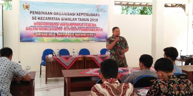 Babinsa Koramil 11/Sragi Berikan Wasbang Kepada Pemuda Kecamatan Siwalan