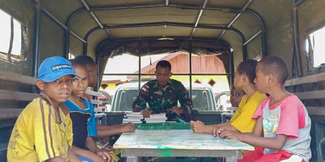Satgas Yonif 406/CK jadikan Randis sebagai Perpustakaan keliling di Distrik Mindiptana