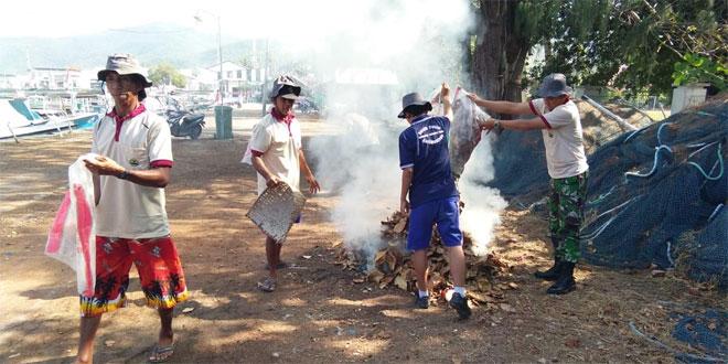 Bersih Pantai Karimunjawa, Anggota Koramil Ikut Terlibat