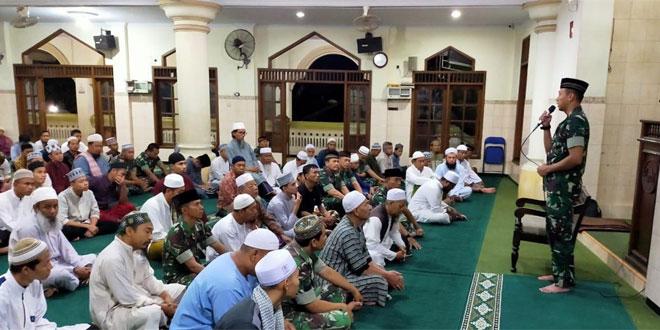 Dengan Safari Sholat Subuh Berjamaah, Kodim 0735/Surakarta, Bangun Kedekatan TNI dengan Rakyat