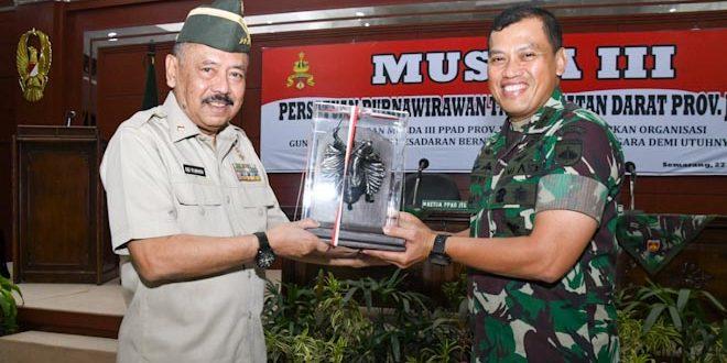 Kasdam IV/Diponegoro Membuka Musda III PPAD Jateng