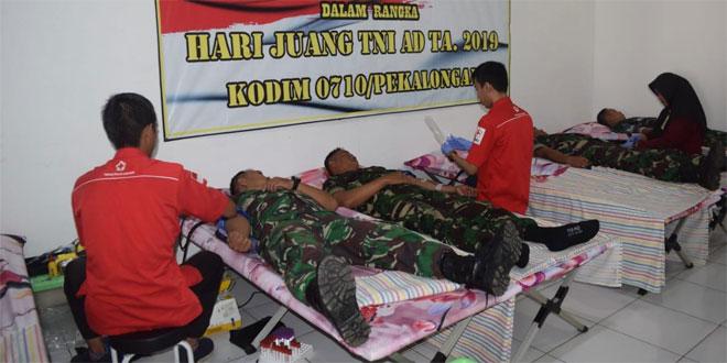 Ratusan Orang Ikuti Donor Darah di Kantor PMI Pekalongan