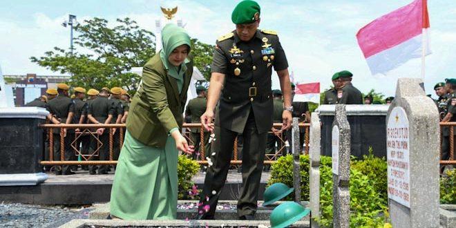 Peringati Hari Juang TNI AD ke 74, Kasdam IV Pimpin Ziarah Di TMP Giri Tunggal