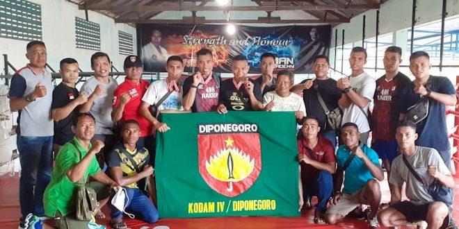 Petinju Kodam IV/Diponegoro Berjaya di Turnamen Hans Fight