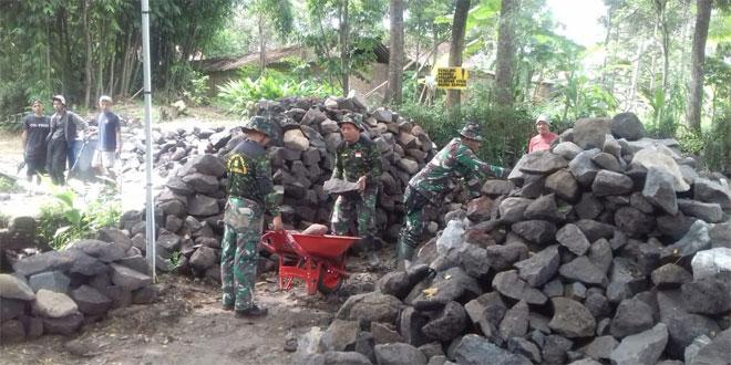 TNI dan Warga Siapkan Sasaran TMMD