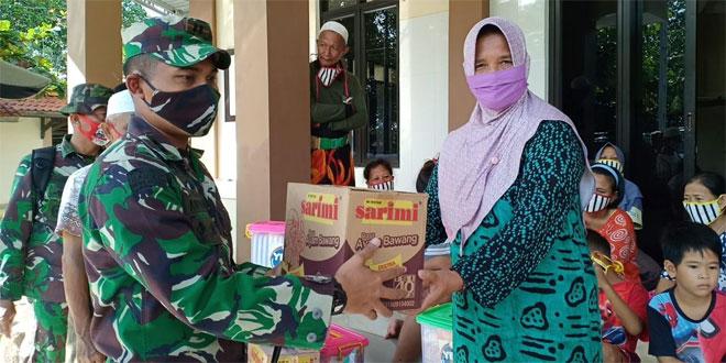 Pantau Daerah Terdampak Banjir Rob Dandim Pekalongan Berikan Bantuan Ke Warga