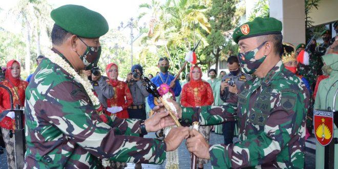 Mayjen TNI Bakti Agus Fadjari Resmi Gantikan Mayjen TNI M. Effendi sebagai Pangdam IV/Diponegoro