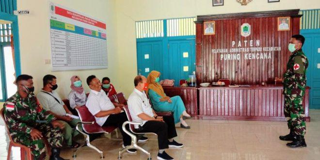 Wujud Sinergitas dan Kepedulian Kesehatan, Satgas Pamtas Yonif 407/PK berikan penyuluhan kesehatan di kantor Kecamatan Puring Kencana