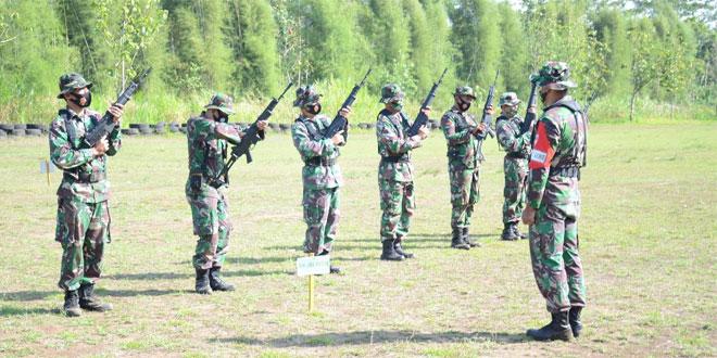 Tingkatkan Kemampuan, Prajurit Korem 073/MKT Laksanakan Latihan Menembak