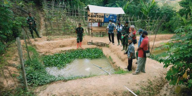 Wujudkan Ketahanan Pangan di Perbatasan, Satgas Pamtas Yonif 407/PK Sosialisasikan Budidaya Ikan