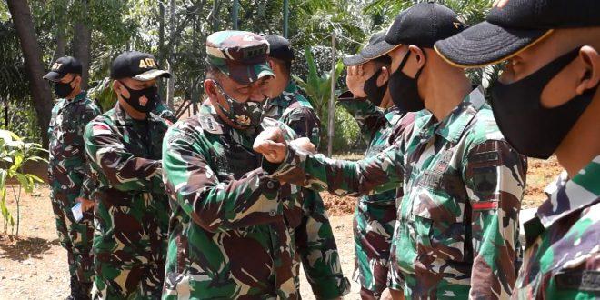 Satgas Pamtas Yonif 407/PK Menerima Kunjungan Kerja dari Tim Asnis Pusterad