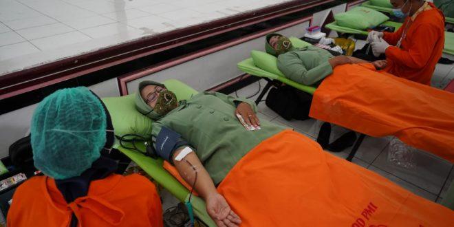 Persit Koorcab Rem 071 Peduli Sesama Donorkan Darah di Masa Pandemi Covid-19