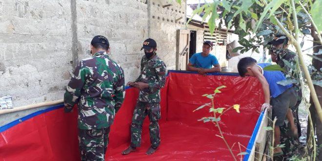 Tingkatkan Ketahanan Pangan Warga Perbatasan, Satgas Yonif 407/PK Berikan Penyuluhan Budidaya Ikan Lele