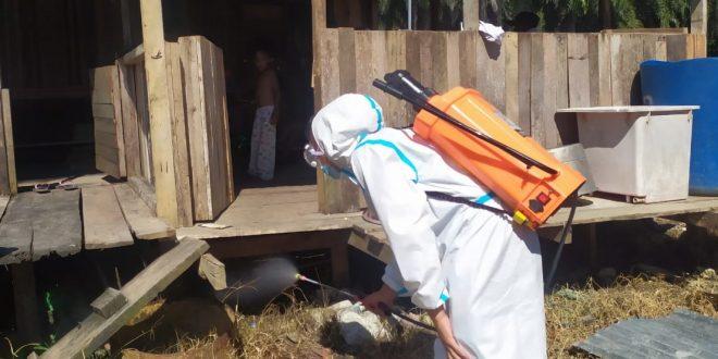 Turunkan Angka Penderita Malaria, Satgas Pamtas Yonif 403/WP Melaksanakan Penyemprotan IRS Ficam dan Membagikan Kelambu ke Pemukiman Warga di Perbatasan Papua