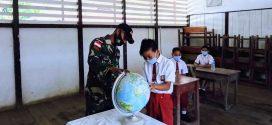 Tak Putus Semangat Satgas Yonif 407/PK Aktif Membantu Tenaga Pendidik Diperbatasan