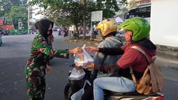 Setiap Sore Diponegoro Berbagi