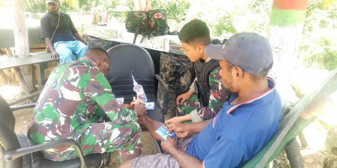 Sehat itu Nikmat, Satgas Pamtas Yonif 403/WP Berikan Pelayanan Kesehatan Kepada Masyarakat di Wilayah Perbatasan RI-PNG