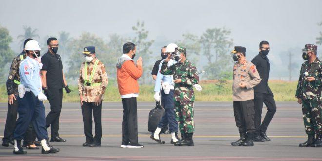 Pangdam IV/Diponegoro Dampingi Presiden Jokowi Tinjau Pembangunan Bandara Jenderal Besar Soedirman