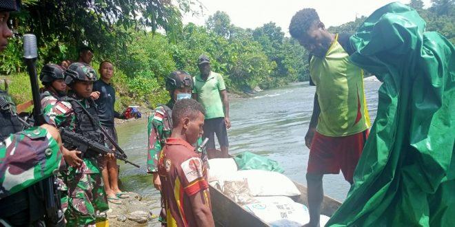 Dalam Rangka Memperingati Bulan Lahir Pancasila, Satgas Pamtas Yonif 403/WP Melaksanakan Sweeping di Wilayah Perbatasan RI-PNG