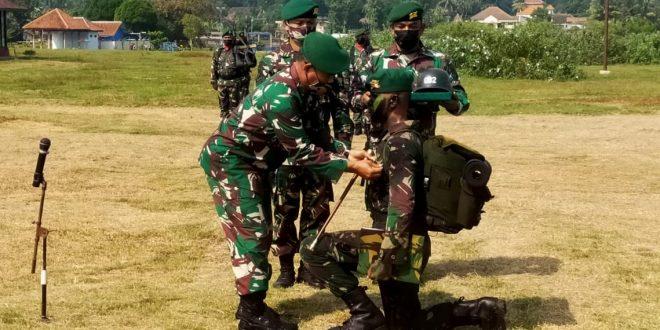 Upacara Tradisi Pengukuhan Prajurit Infanteri Siswa Dikjurba If Abit Dikmaba TNI AD TA2020 (OV)