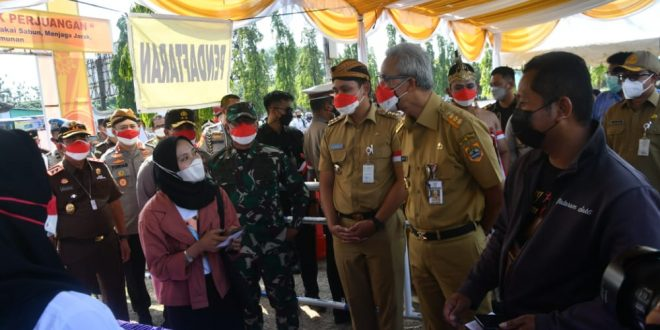 Pangdam IV/Diponegoro dan Forkopimda Jateng Kunjungi Kabupaten Kendal Cek Vaksinasi Dan Model Pasar Percontohan
