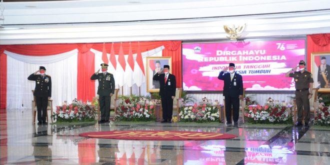 Kasdam IV/Diponegoro Ikuti Upacara Penurunan Bendera di Istana Merdeka Secara Virtual