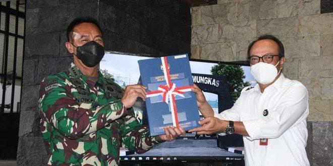 KSAD Terima Sertifikat Tanah Lahan Latihan Kebumen, Lahan Kantor Wonosobo dan Gunung Kidul Dari Kakanwil BPN