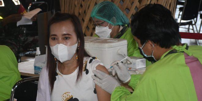Mabes TNI dan Kodam IV/Diponegoro hadir kembali di Centra Vaksinasi Tahap-II di objek Wisata Dusun Semilir